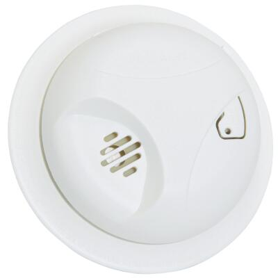 First Alert Long Life Battery Operated 9V Ionization Smoke Alarm